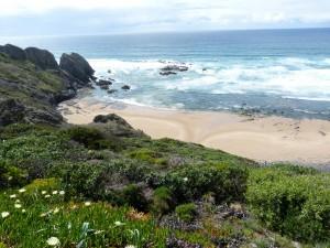 Portugalsko, Rogil, pláž Praia do vale dos homes.