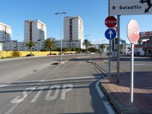 Kúsok mesta Algeciras od Lidlu, kde sme si kúpili slaný chlieb, podobný nášmu.