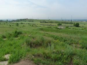Výhľad z bývalej raketovej základne severne Fót-u.
