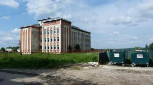 Nedokončená škola na sídlisku, Boryslav.