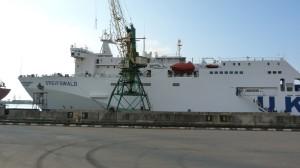Naša loď vyrobená r.1986 v NDR po pristání v Batumi.