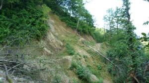 Veľký zosuv svahu, častý jav v týchto horách.