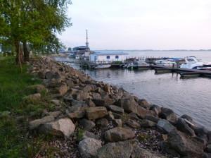 """Jeden z """"malých pristavov"""" na umelom rameni Dunaja."""