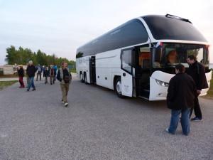 Náš autobus u Gabčíkova. Ráno bola hrozná zima.