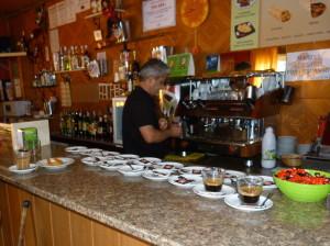 Ranná káva v reštaurácii El Cortijo na námestia Plaza Altillo, 05.06.2015, 9:40 hod.