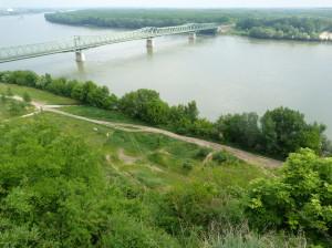 Pohľad na železničný most z kalvárie, Dunaföldvár.