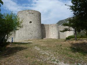 Drivenik, hrad upravený pre divadelné predstavenia.