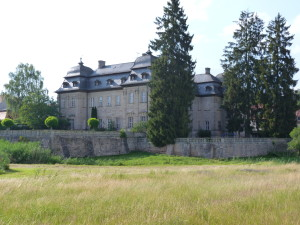 Škola v Burgwindheime, bez jašteríc.