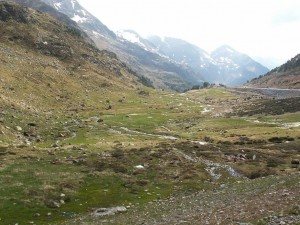 Pohľad do údolia k mestu El Serrat
