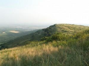 Pohľad na juh z vrcholu Sár hegy.