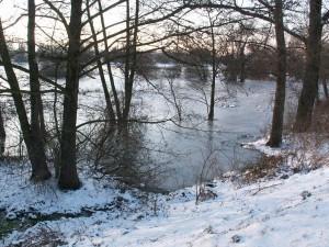 Zimná krajina na lúke západne Ipeľského Predmostia.